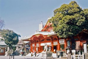 朱塗りの神社