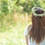 秋は夏の3倍に増える女性の抜け毛はお手入れ次第で減らせるかも!?